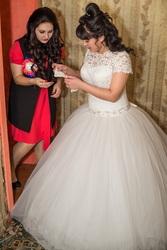 свадебное платье б.у.срочно